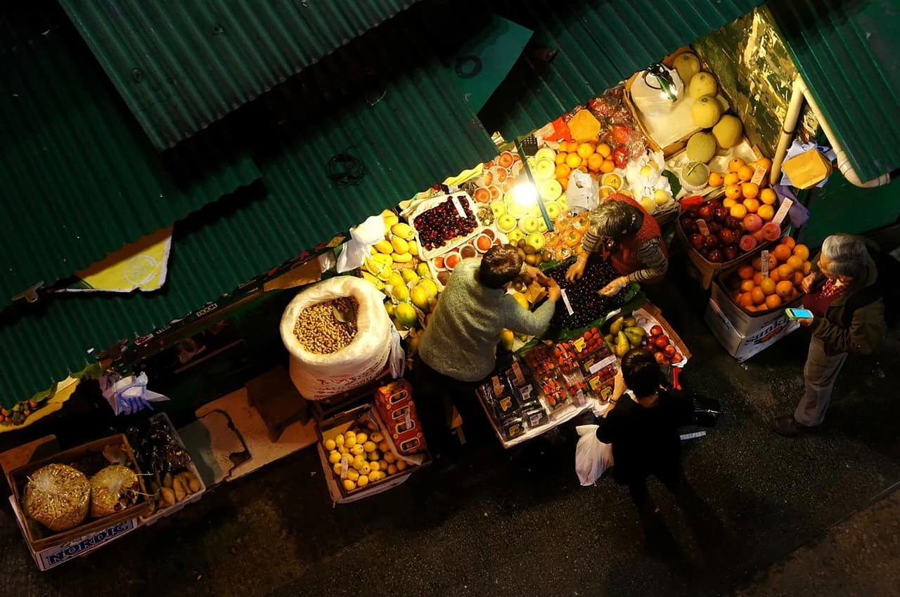 7 Temple Street Night Market (Cr.life-877474_1280)