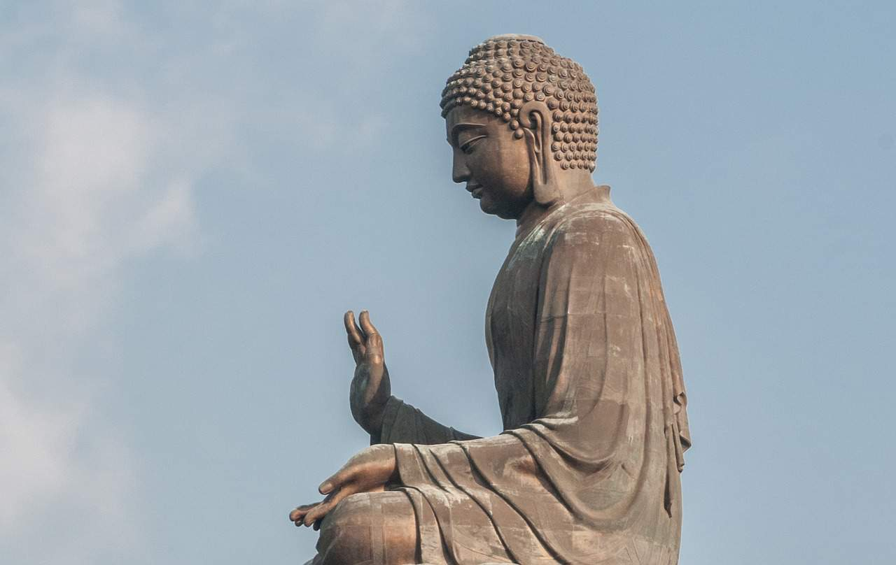 9 The Big Buddha (Cr.buddha-giant-tian-tan-1173975_1280)